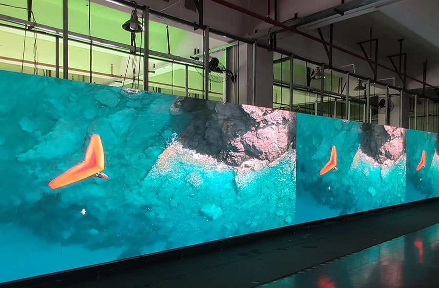 Six advantages of small-pitch LED display